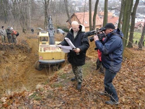 Pierwsza próba odkopania wejścia od strony ul. Strzeleckiej – 17.12.2011 r.