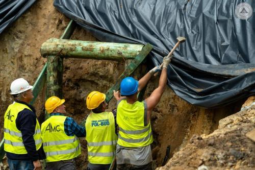 Budowa portalu wejściowego do podziemi Kamiennej Góry w Lubaniu
